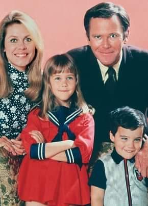 Stephens Family Season 8 PR Photo.jpg