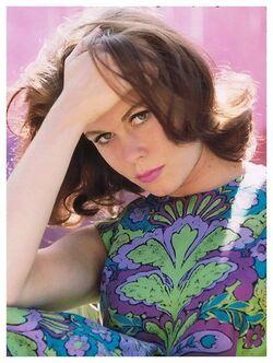 Elizabeth Montgomery Brunette.jpg