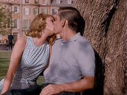Kiss in Park color 1×01