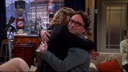TBBT Awkward hug 8x23
