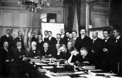 1911 Solvay conference.png