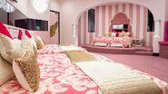 AU11 Pink Bedroom