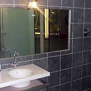 Bathroom (CBB3).jpg