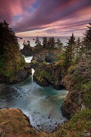CurryCounty IconicImage Arch-Rock-Natural-Bridge ImageCredit WhosHU-Landscape.jpg