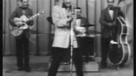 Elvis_presley-hound_dog