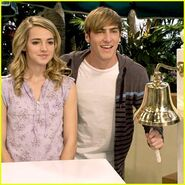 Kendall-schmidt-katelyn-tarver-speed-dating