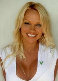 Pamela Anderson 3.jpg