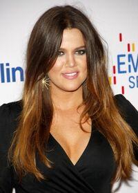 Khloe-Kardashian-Sleek-Long-Straight-Hairstyles-2013.jpg