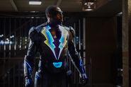 Black Lightning 1x01 promotional photo 05