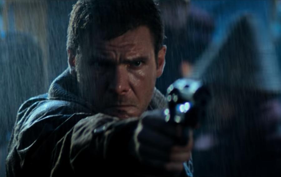 Deckard kills zhora.png