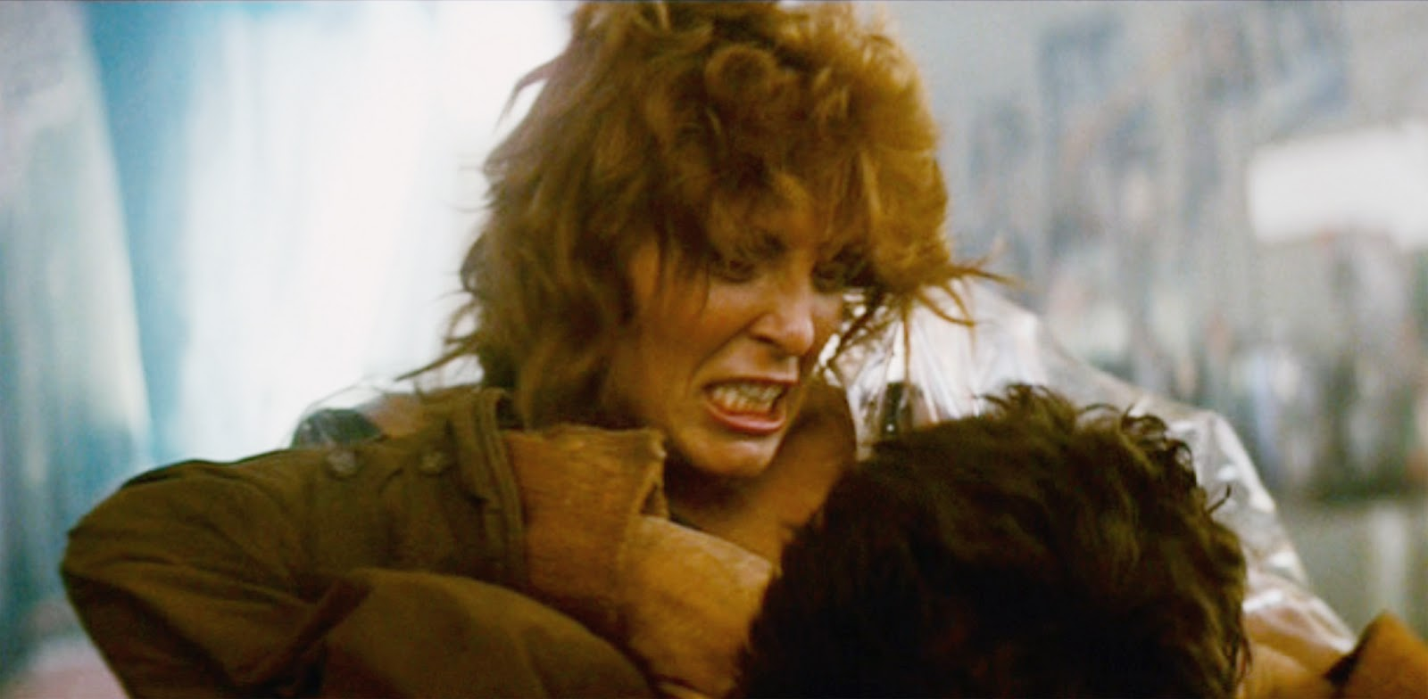 Zhora Strangles Deckard.jpg