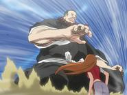 O29 Jirobo ponownie zamachuje się na Orihime