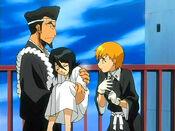 Sentarou y Kiyone se ocupan de Rukia