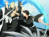 Hinamori ataca a Ichimaru
