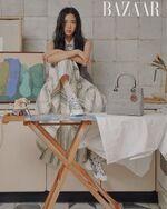 Jisoo x Harper's Bazaar Magazine December 2020 5