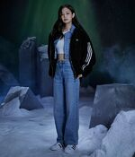 Jennie Adidas Originals 3