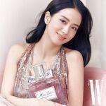 Jisoo Dior X W Korea 11