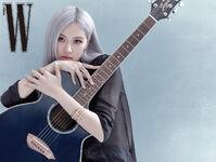 Rosé W Korea October 2020 7