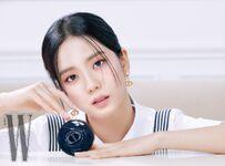 Jisoo Dior X W Korea 6