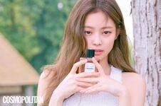 Jennie Cosmopolitan Korea magazine July 2018 issue 2