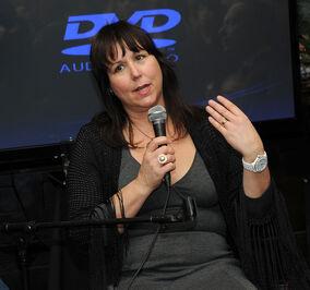 Lisa Padovani.jpg