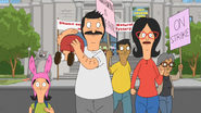 S3E22.08 The Belchers Running From the Museum