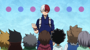 Shoto introduce himself to the kids