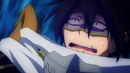 Tamaki se asusta ante la cara de Katsuki