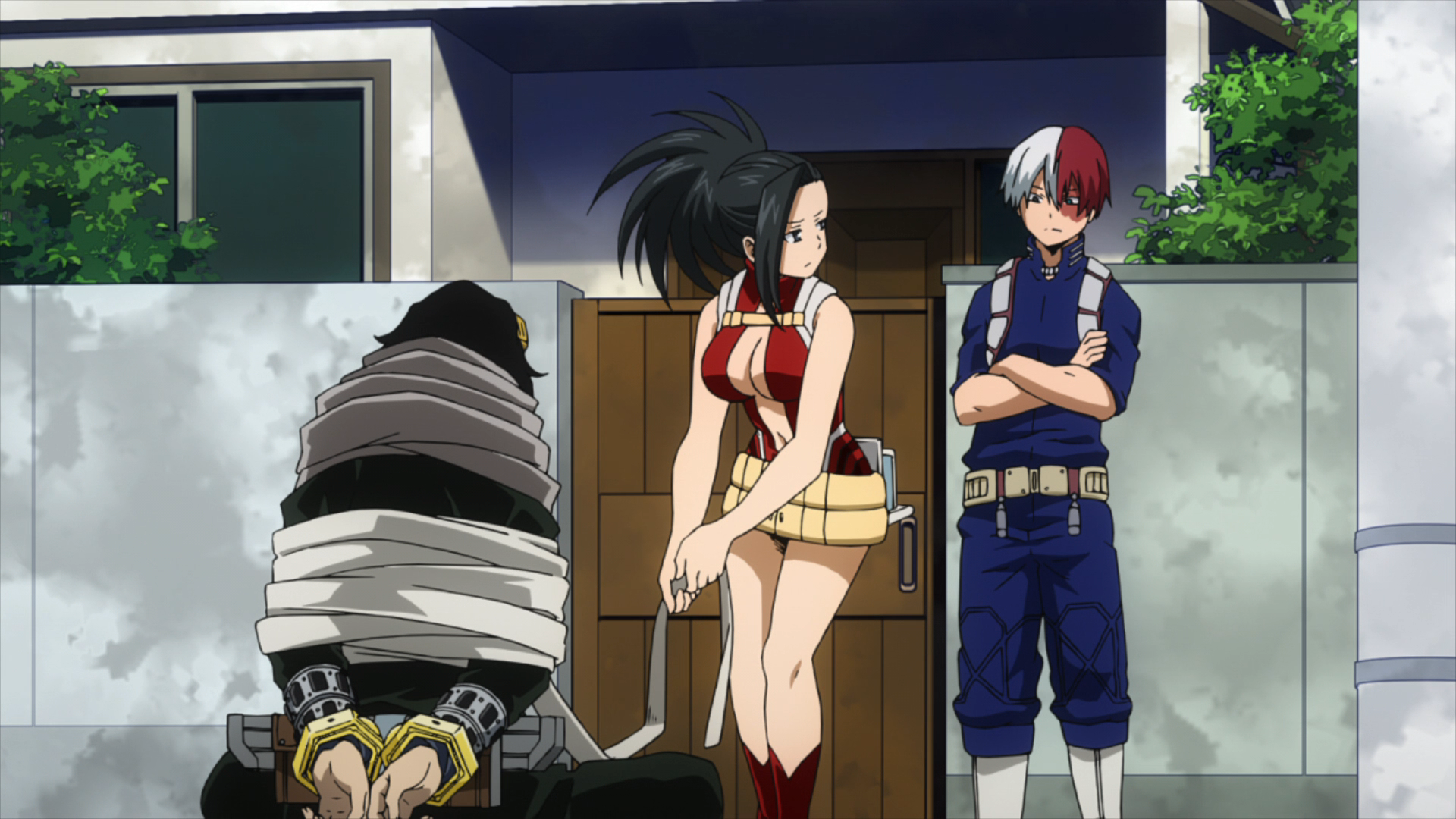 Shoto and Momo defeat Aizawa.png