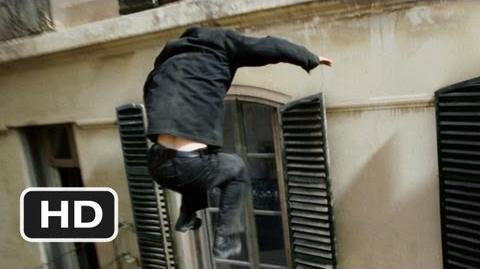 The_Bourne_Ultimatum_(4_9)_Movie_CLIP_-_Bourne_vs._Desh_(2007)_HD-0