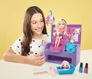 Instapets Nail Salon - Promotional Image