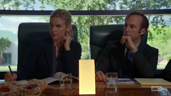 BCS 2x02 - Kim y Jimmy en reunión.png