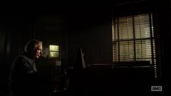 BCS 2x02 - Chuck piano.png