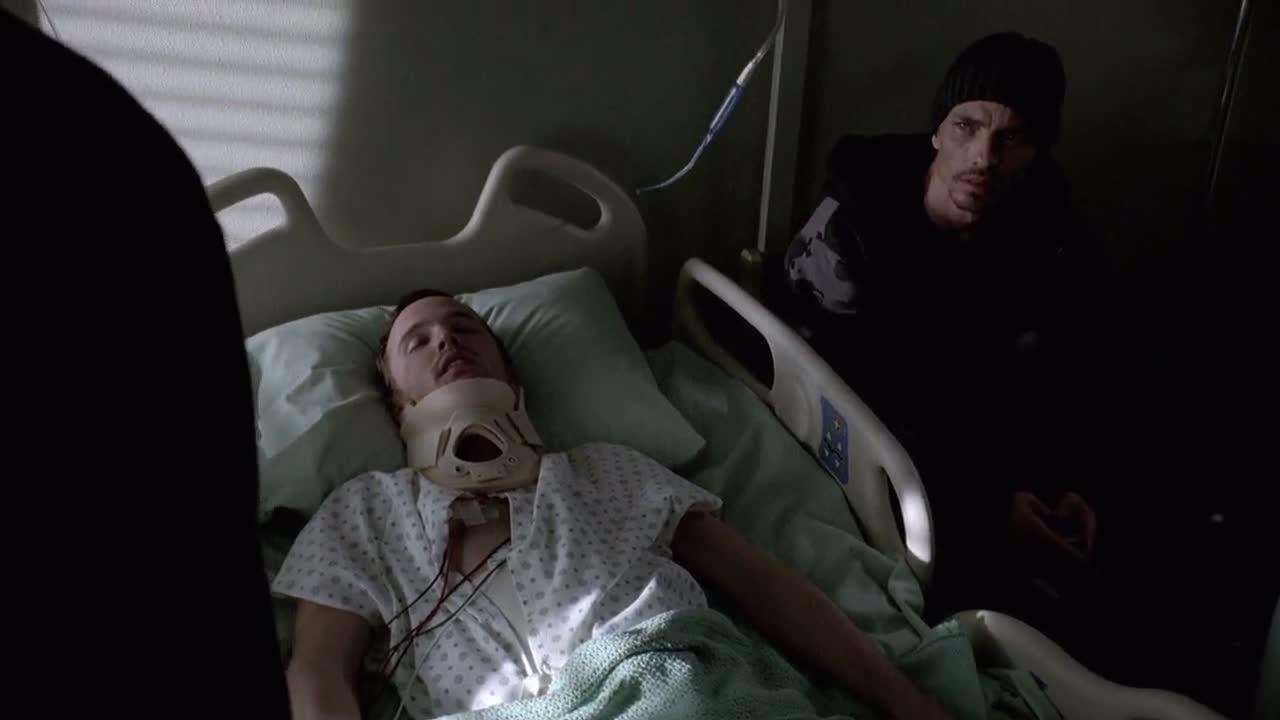 1x06 - Jesse in the hospital.jpg