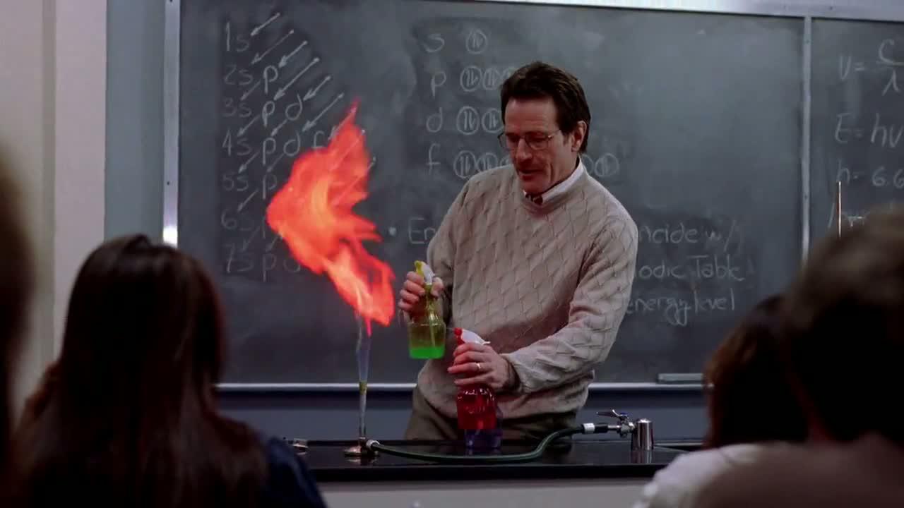 1x01 - Walt teaching chemistry.jpg