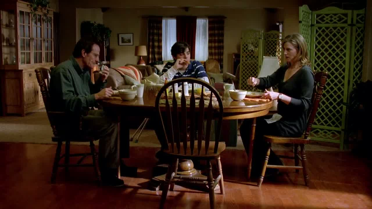 1x05 - At the breakfast table.jpg