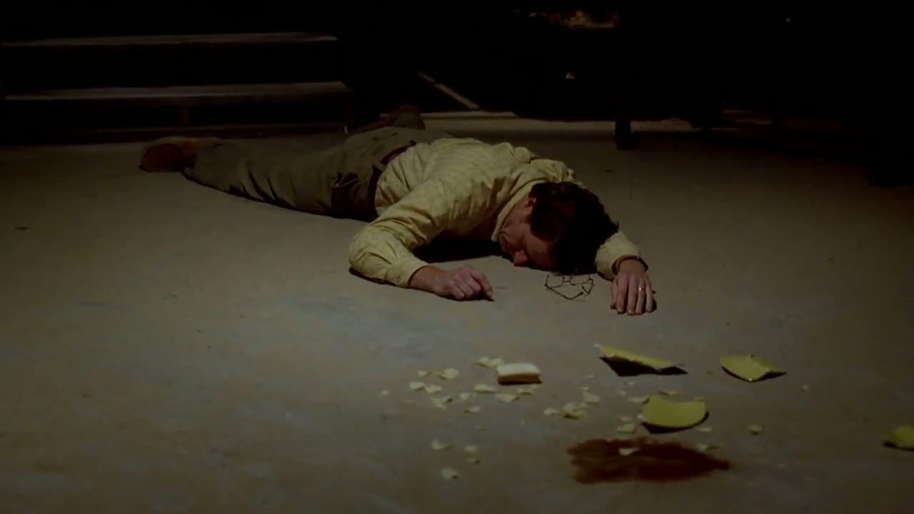 1x03 - Walt passes out.jpg