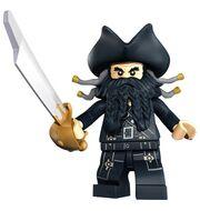 Blackbeard met zwaard.jpg