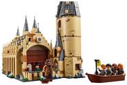 LEGO-Harry-Potter-75954-Hogwarts-Great-Hall-Side-View
