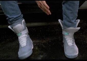 Persistente Casco completar  Power-lacing shoes | Futurepedia | Fandom