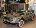 DeLorean-BTTF3 with mural in background