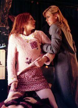Doppelgangland Willow Buffy.jpg