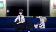 Yosano checking Atsushi's leg
