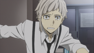 Atsushi delivering the news that Port Mafia had surrounded the hospital