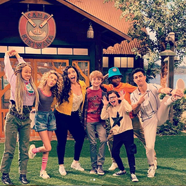Cast Acting Goofy.png