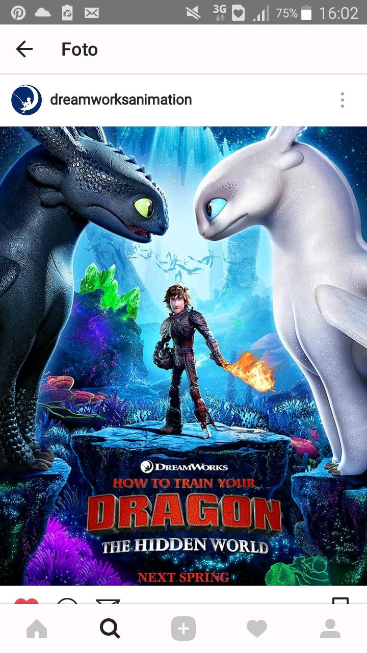 Alguien es capaz de reconocer la silueta del dragon encima de hipo?
