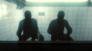 Хадсон и Уивер скрываются в тени