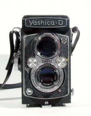 Yashica-D 01.jpg