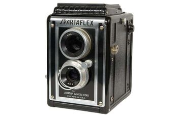 Spartaflex Twin Lens Reflex TLR Camera by Spartus Camera Corp. Chicago IL