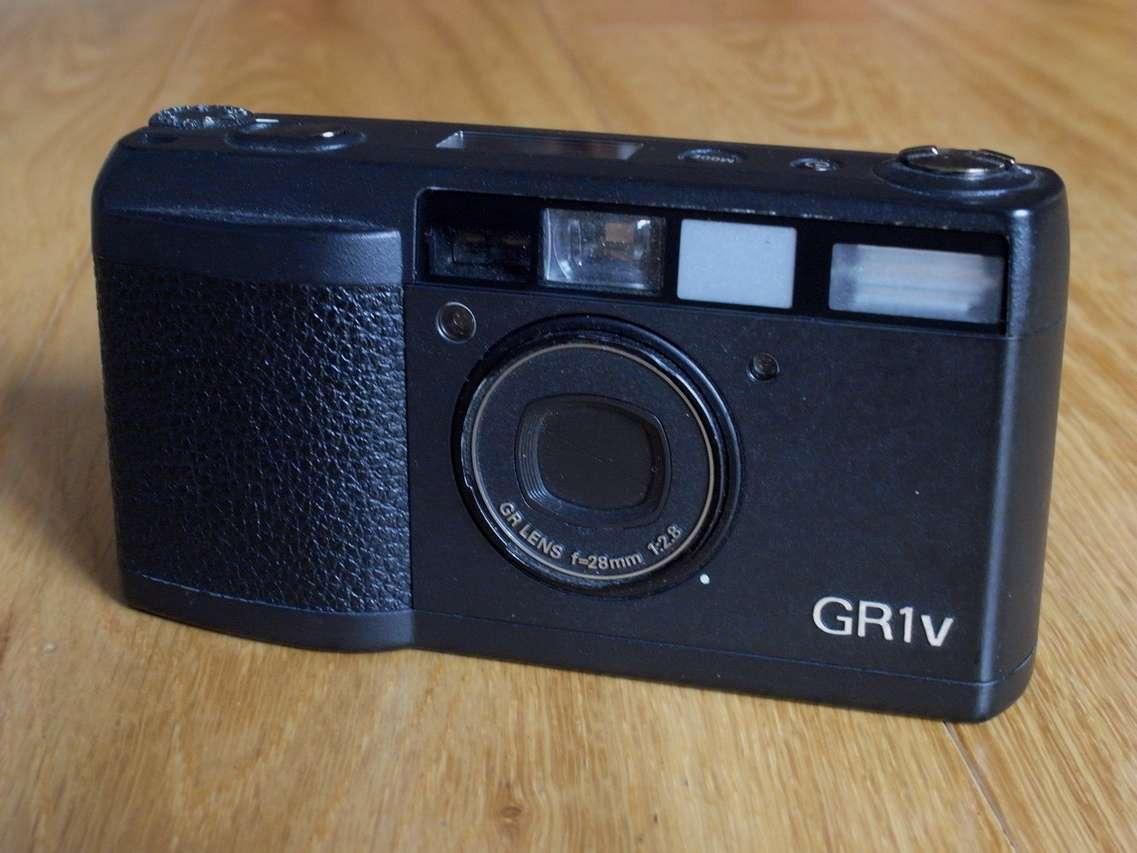 Ricoh GR1v